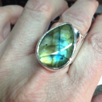 Labradorite ring ... Beautiful colors in this stone