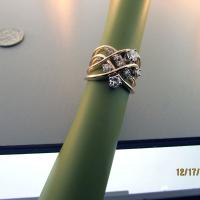 Repurposed-diamonds-in-yellow-gold-band
