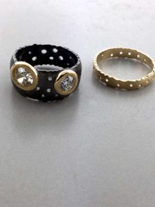 New Style Engagement Ring Black & Gold